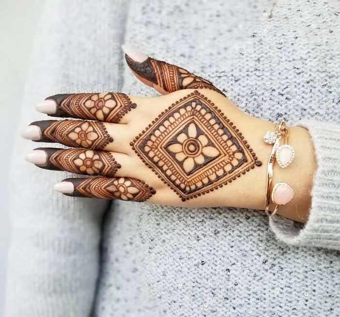 Diamond Mehndi Designs