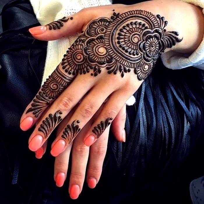 Flowers Mehndi Design for back hand
