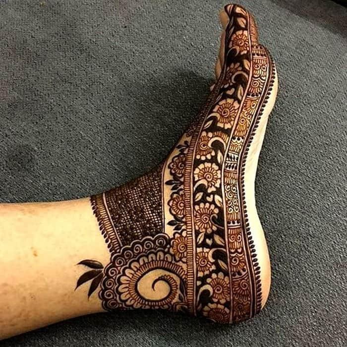 flower mehndi designs for legs easy