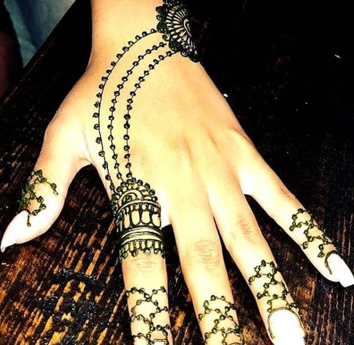 Necklace hands Mehandi Design