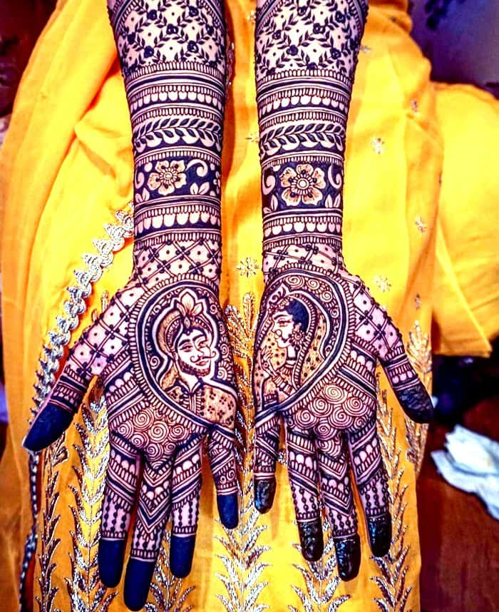 The Raja & Rani design is a dominant henna design that is love at almost every Indian wedding.