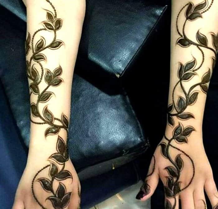 Simple Leaf Mehndi Design