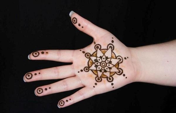 beautiful chakra mehandi designs