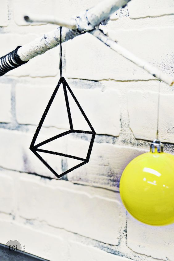 geometric christmas tree ornament decoration idea