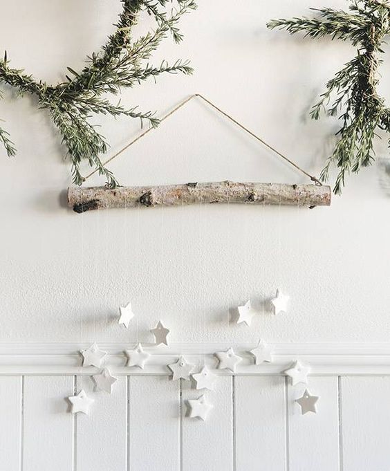 Hanging Star Assembly- Minimalist Christmas Decoration Idea