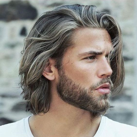 sleek shoulder length hairstyle for men