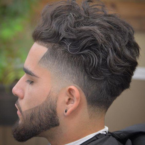 stunning wavy hairstyle