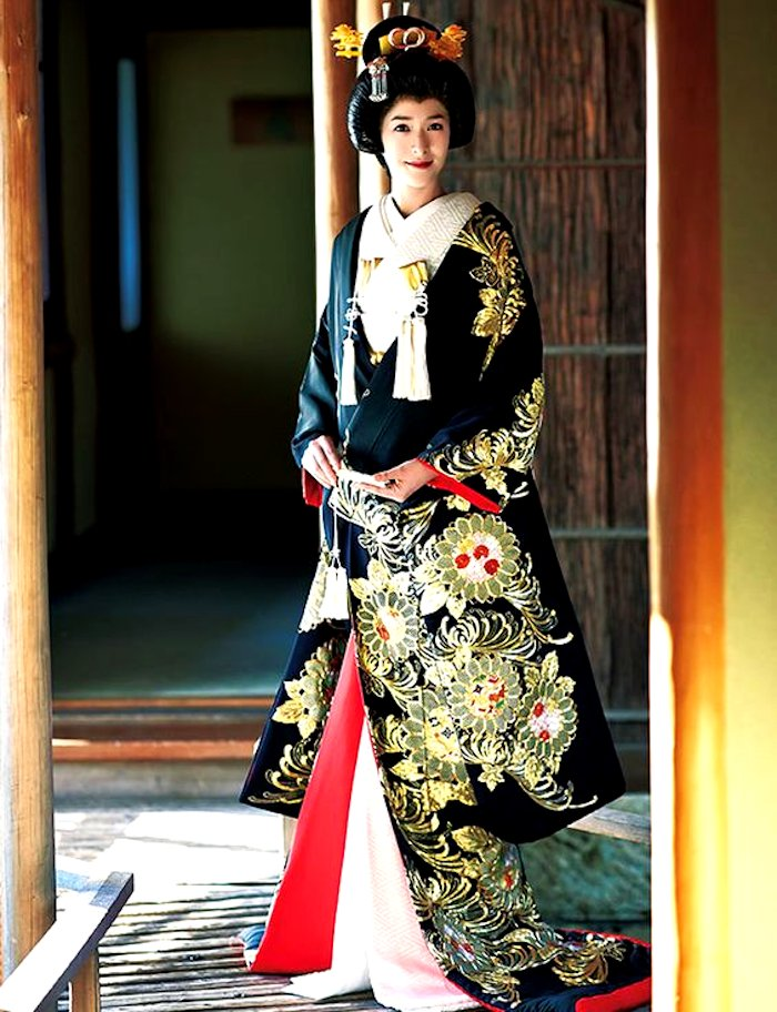 Japan bridal wedding outfit