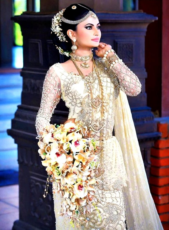 Sri Lankan bridal wedding outfit