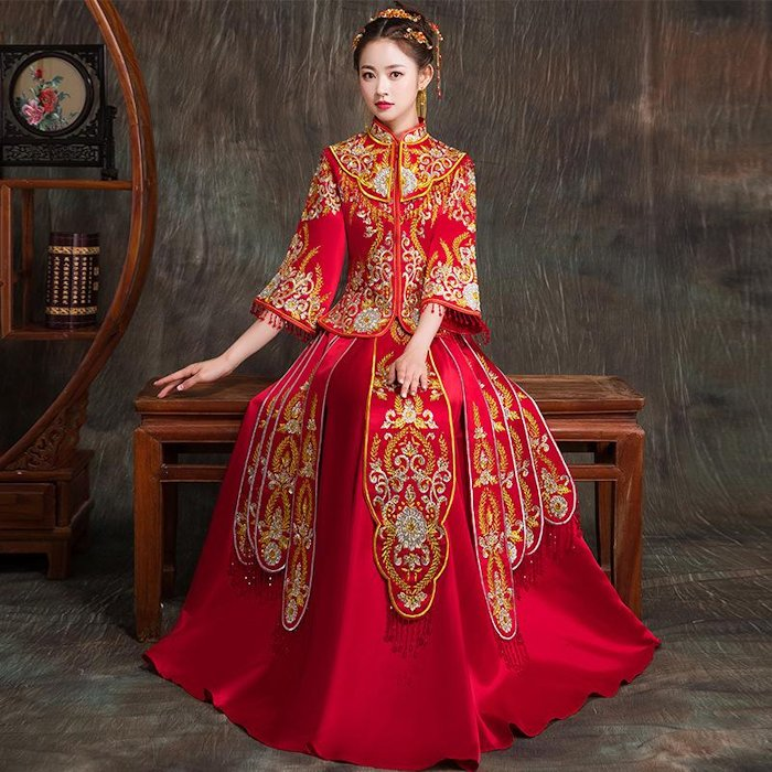 Chinese bridal wedding outfit