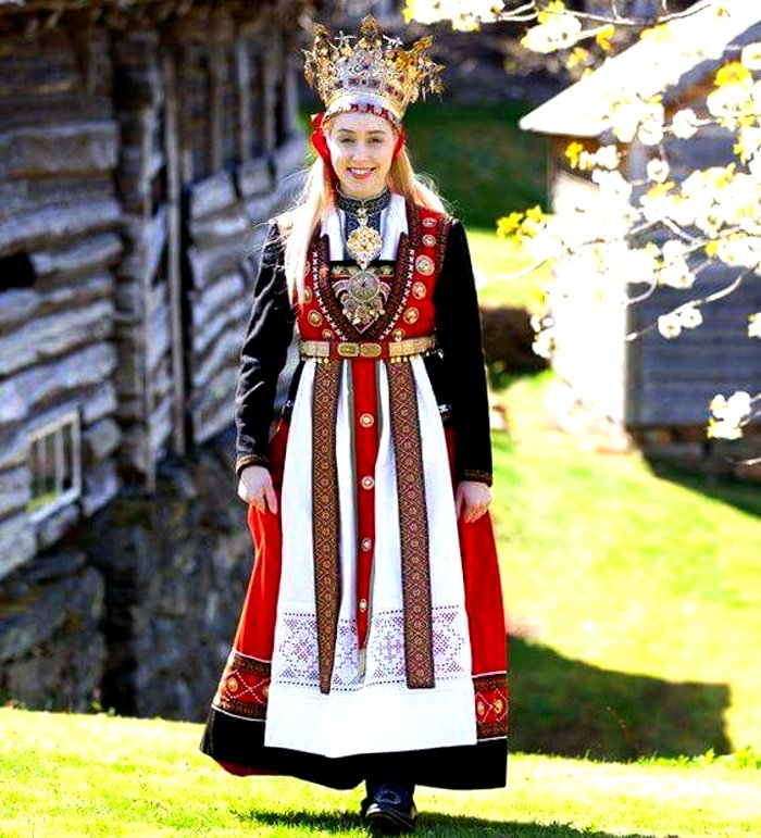 Norway bridal wedding outfit