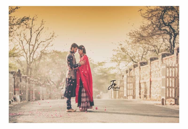 pre wedding photoshoot images