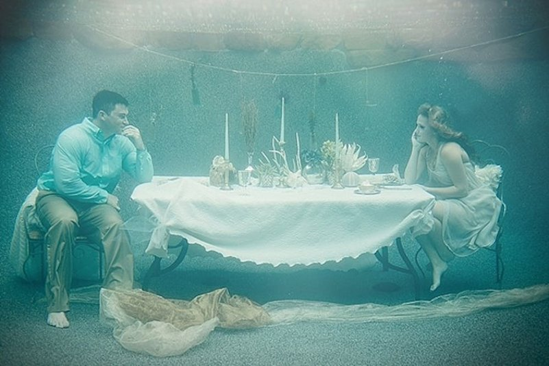 pre wedding photo shoot under water