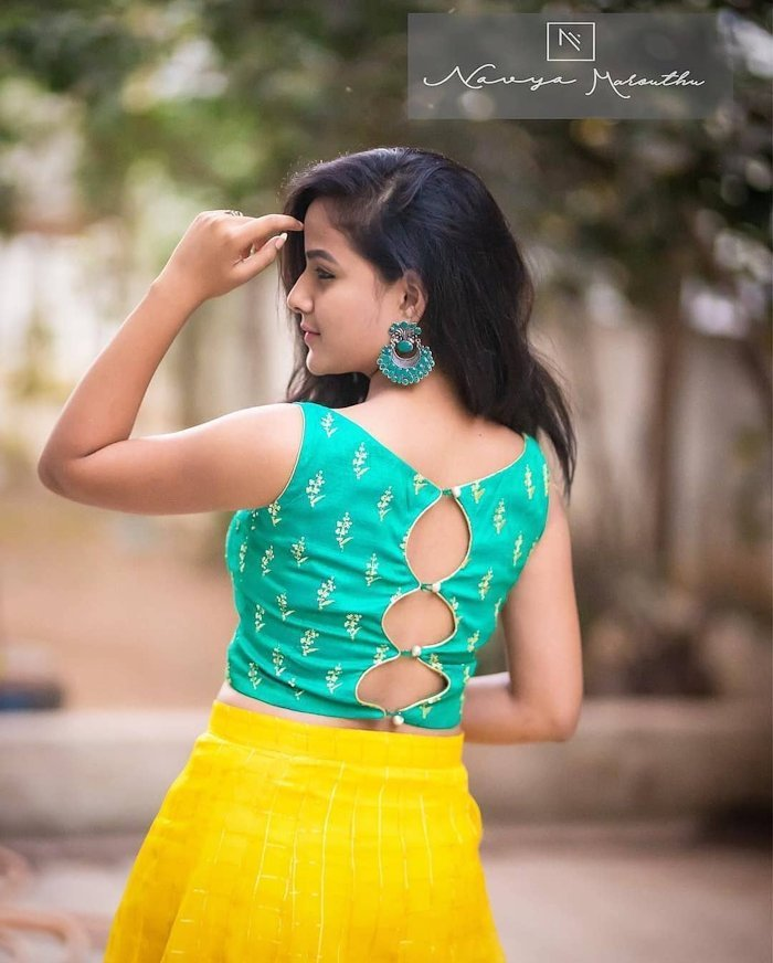 sleeveless blouse with back keyhole for party