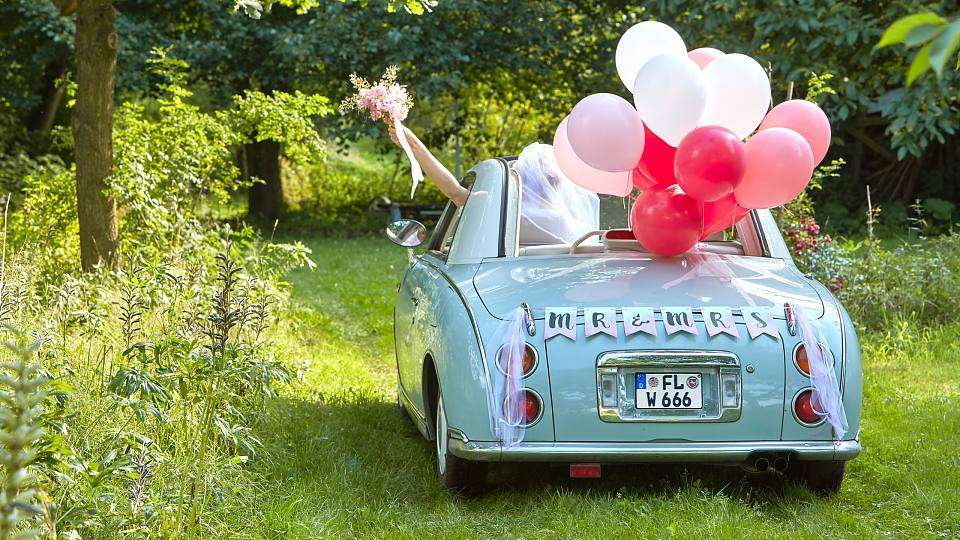 10 Awe-Inspiring Wedding Car Decoration Ideas for an Unforgettable Send-Off