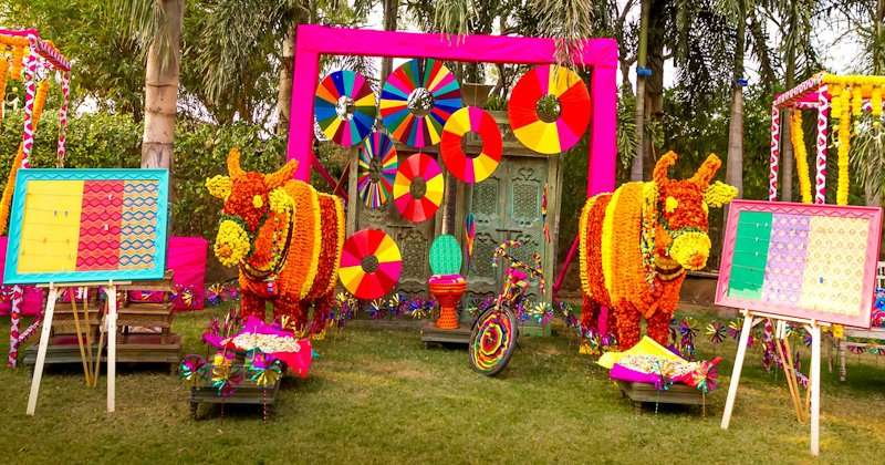 Spectacular Photobooth Ideas For Your Wedding And Mehndi Ceremony Photoshoot