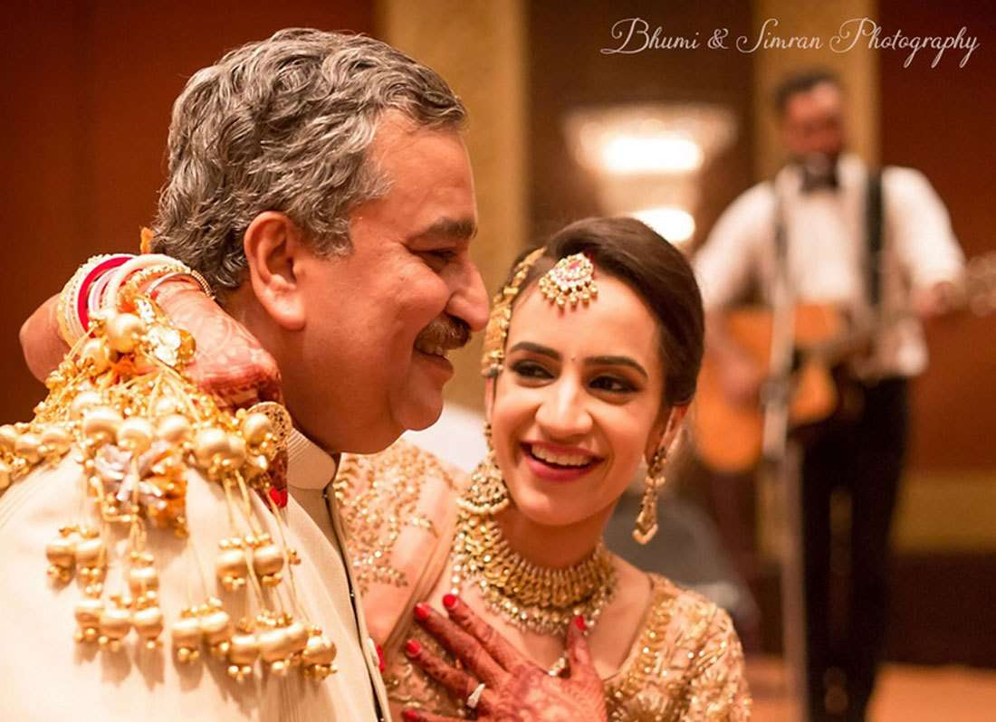 Mesmerizing Wedding Photos Every Bride Must Take With Their Father