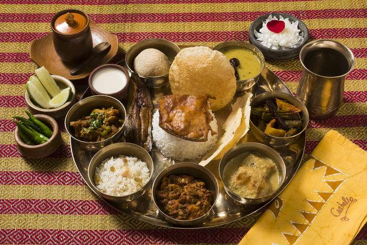 All You Need To Know About Traditional Bengali Wedding Menu