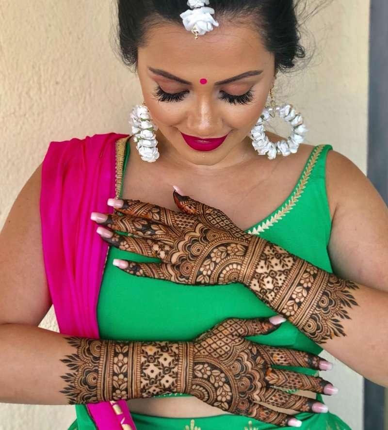 31 Drop-Dead Stunning Dulhan Mehndi Designs for  Hands & Legs