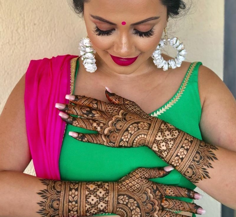 31 Drop-Dead Stunning Dulhan Mehndi Designs for  Hands & Legs