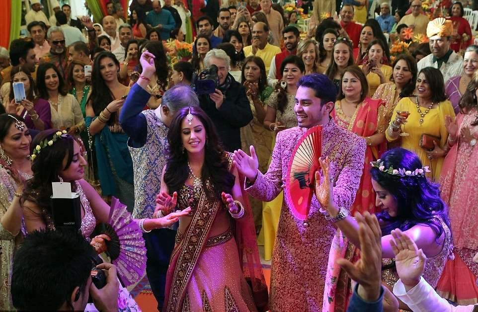 21 Timeless Bollywood Retro Songs for Your Sangeet Ceremony