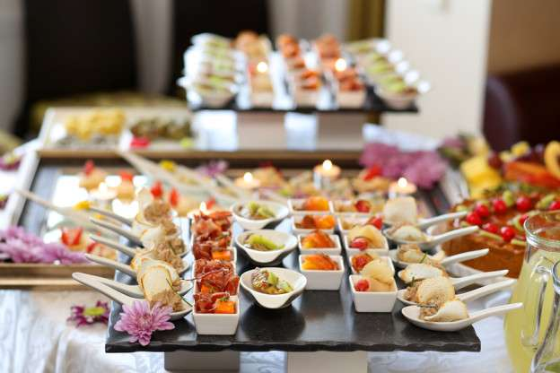 5 Best & Cost-Effective Catering Tips To Curb Down Your Wedding Catering Budget