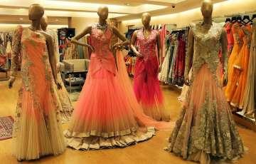 10 Amazing Ways to Save Money on Your Wedding Dress Shopping