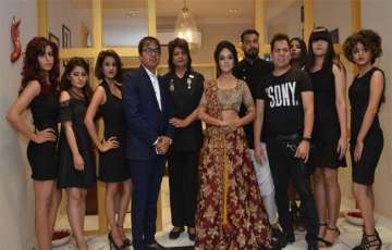 Headmasters Viva LA Glam - A Luxury Saloon Launched in Jaipur