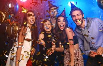 11 Super Fun New Year House Party Ideas to Start 2019 with High Spirit
