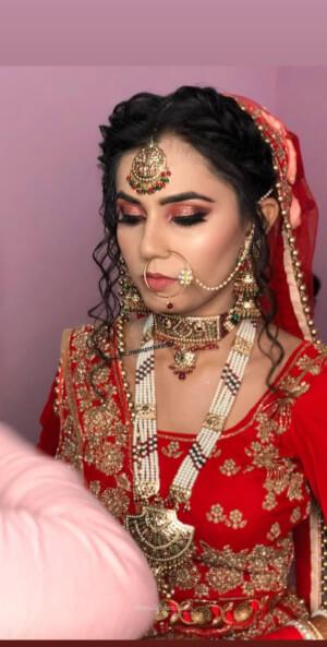 9c Makeup Artist