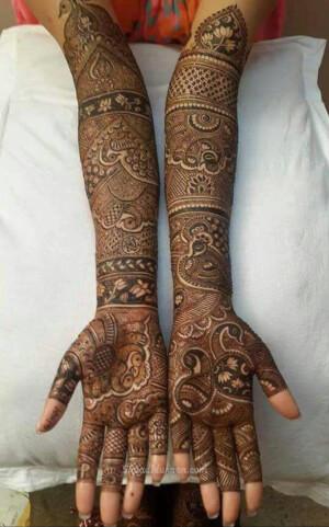 Ameena Mehendi Artist