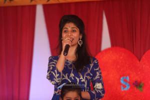 Anchor Priyanshi
