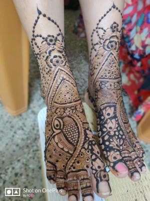 Farhin Professional Mehendi Artists