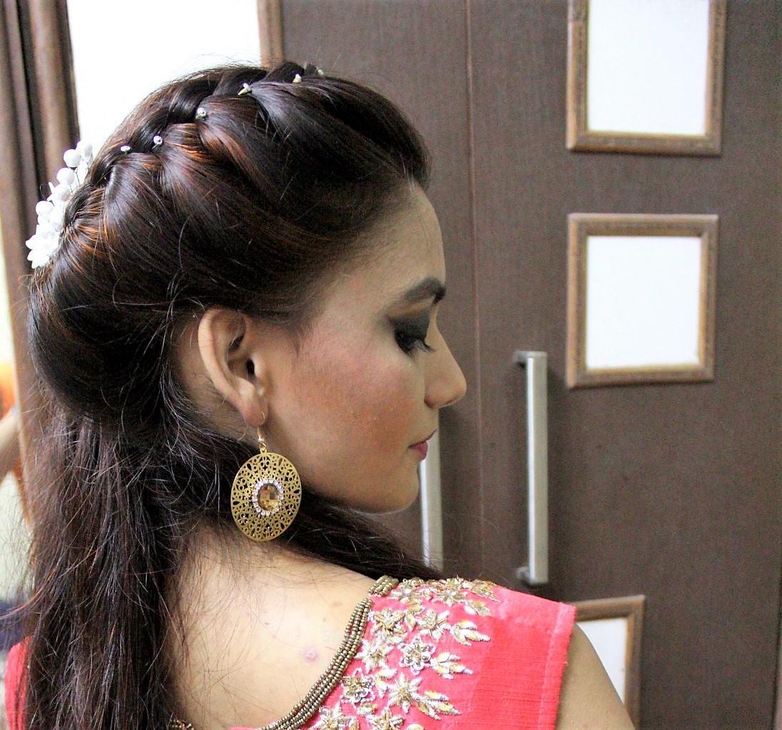 Glamoric Yug - Makeup artist & Hair stylist Yogita
