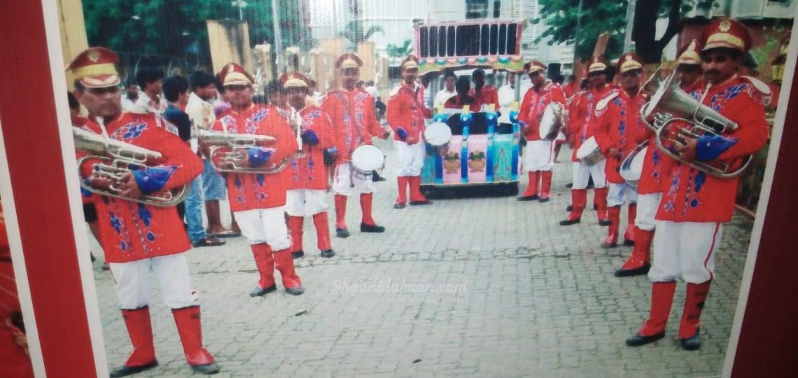 Sahara Soni DJ and band