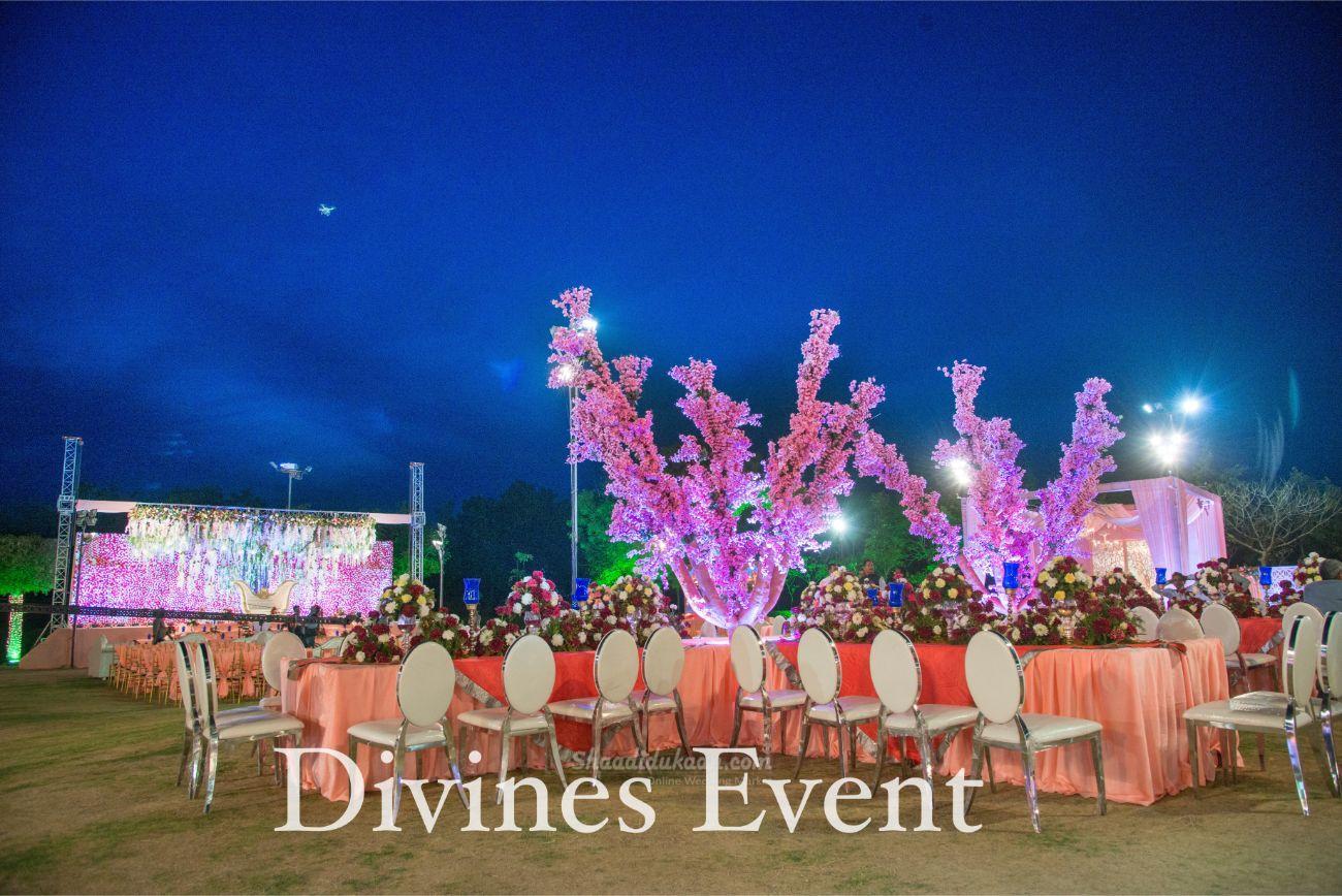 Divine's Event