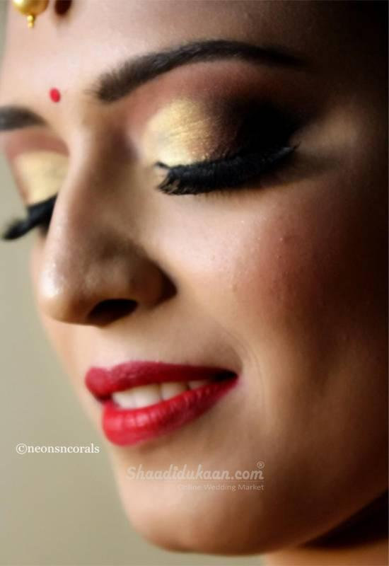 NEONSNCORALS BY MAKEUP ARTIST SHRUTI