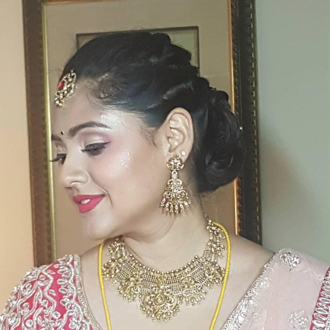 Anu Chugh Makeup Artist