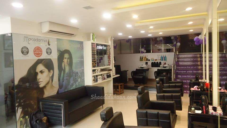 Naturals ,Unisex Salon and Bridal Studio