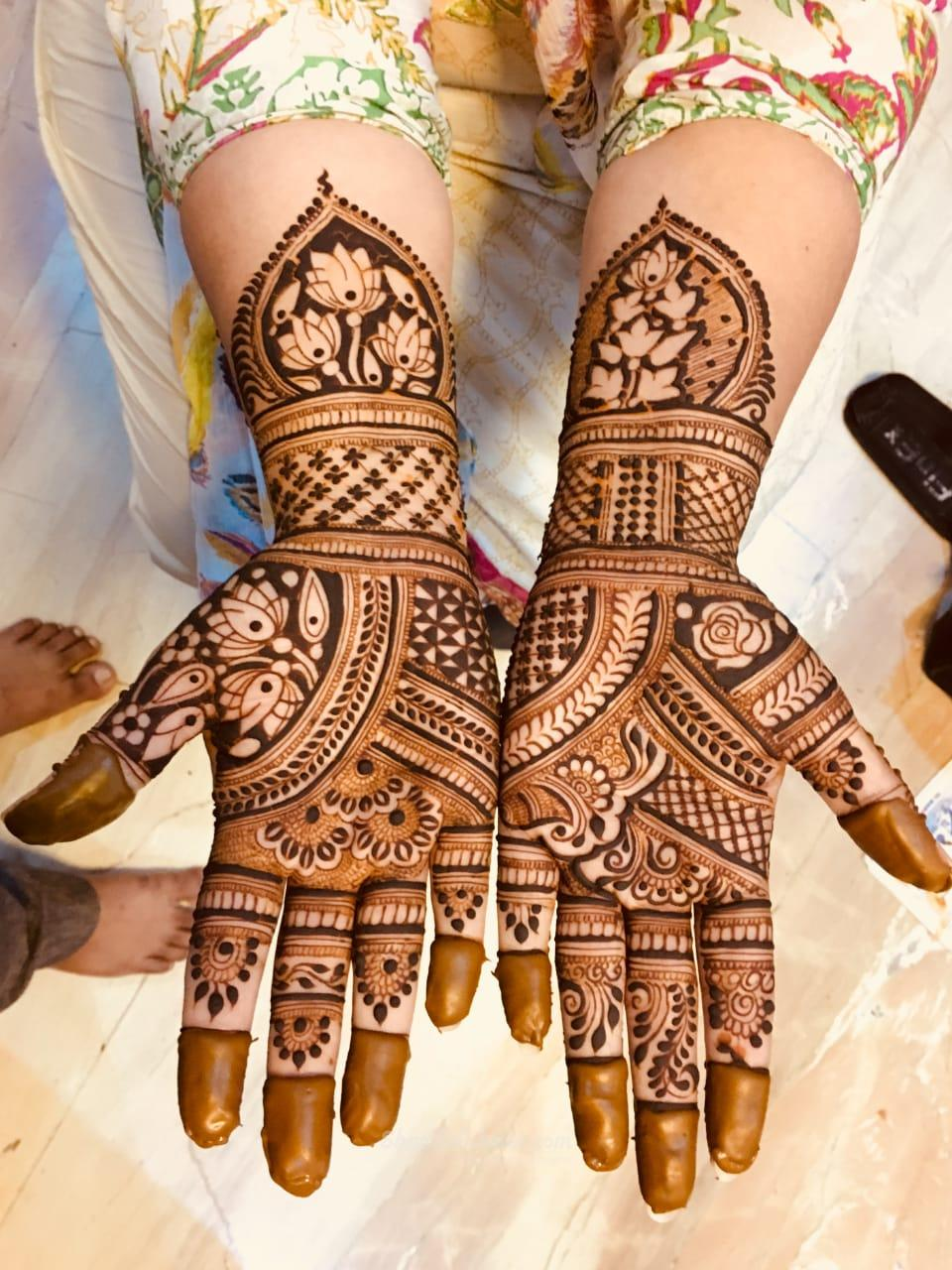 Anil Mehandi Artist