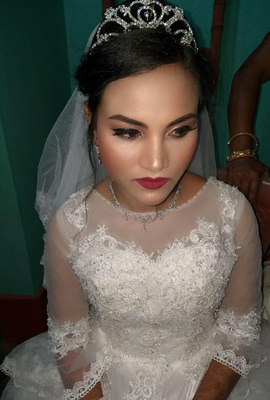 Makeup By Moblina
