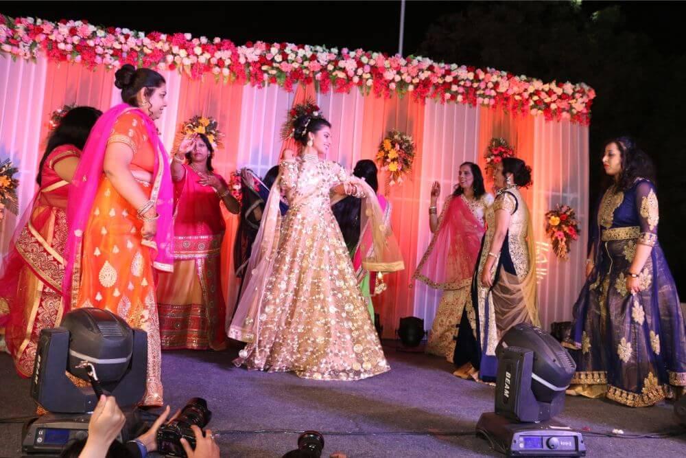 Vibhav Weds Monika, Delhi