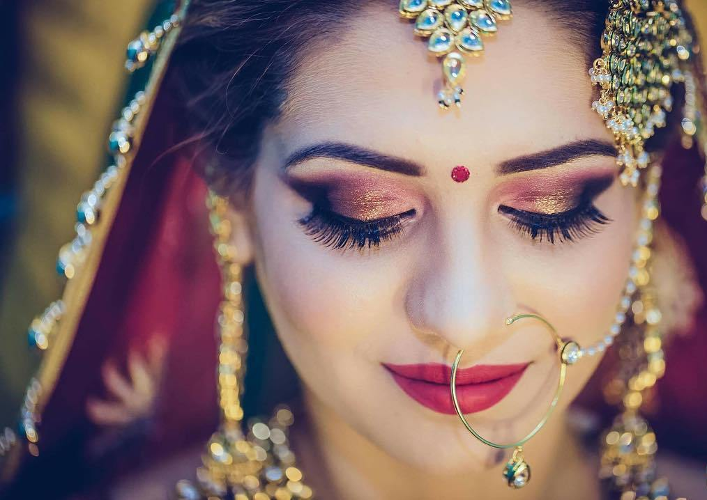 Doing Bridal Makeup on Your Own? Here is a Step by Step Guide for Your Help
