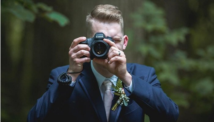 camera to gift for groom