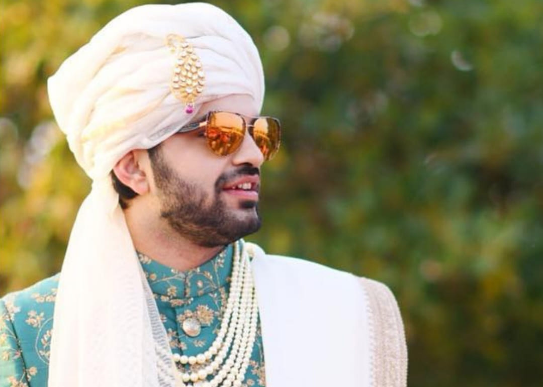10 Peppy Safa Designs To Give A Royal Makeover To Your Quintessential Groom Look!