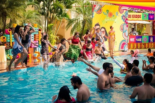 Super Quirky Pool Party Ideas to Beat the Heat in Summer Weddings