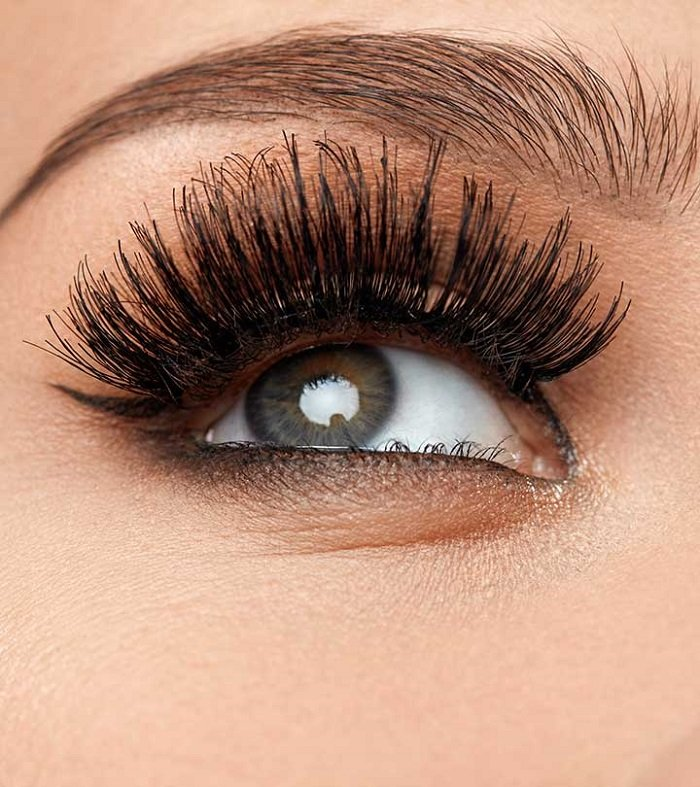 Brown Eye with Fluttering Lashes