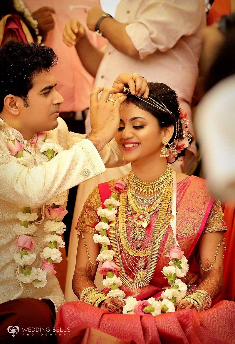31+ Enchanting Photographs That Illustrate Sindoor Moment is The Most Heart-Stopping Moment of All in Weddings