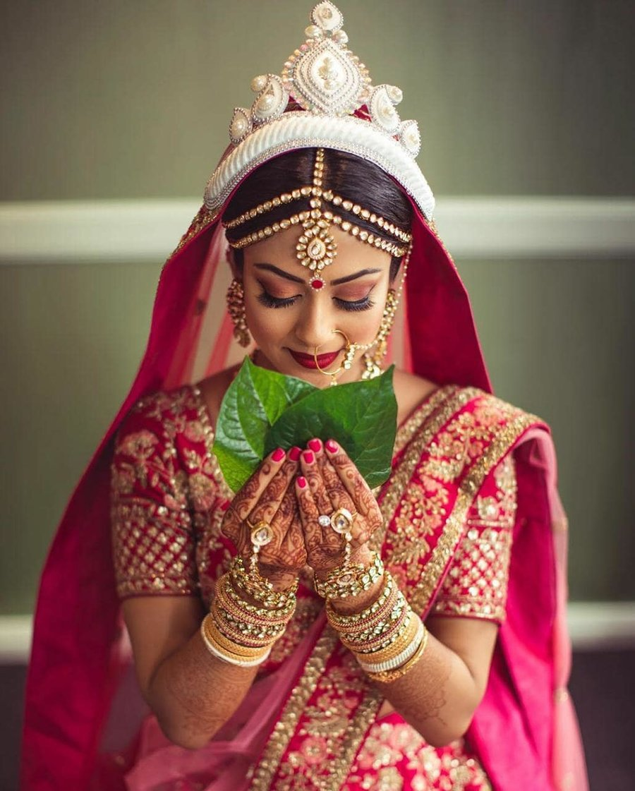 Impending Biye: Look the Oti Shundor Bengali Bride with These Makeup Tips
