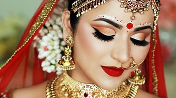 Impending Biye: Look the Oti Shundor Bengali Bride with These Makeup Tips